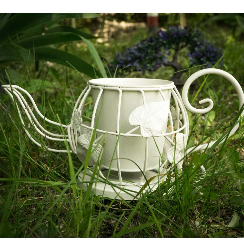 Suport pentru flori cu design in forma de ceainic