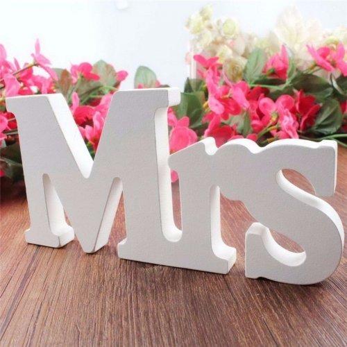 Decoratiune  nunta  de culoare alba Mrs & Mr  - Model mare