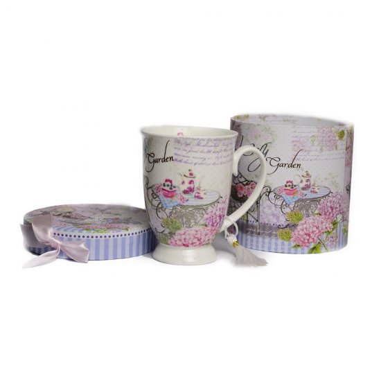 Frumoasa cana din ceramica in cutie speciala de cadou