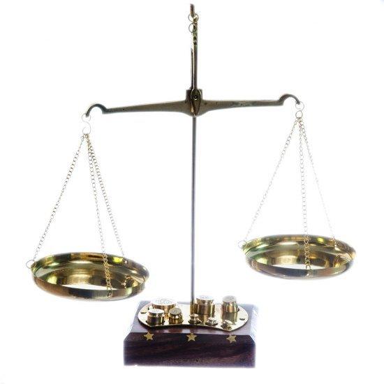 Balanta din alama cu 8 greutati