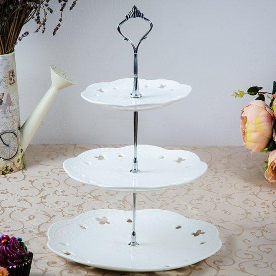 Platou prajituri, cu trei nivele, alb, din ceramica