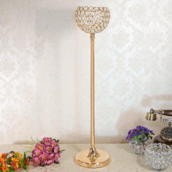Suport auriu pentru flori si cupa de cristal