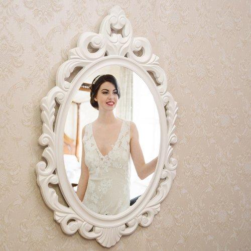 Oglinda ovala cu aspect deosebit de romantic