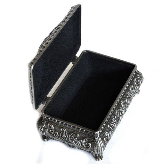 Cutie pentru bijuterii model victorian cu trandafiri din antimoniu