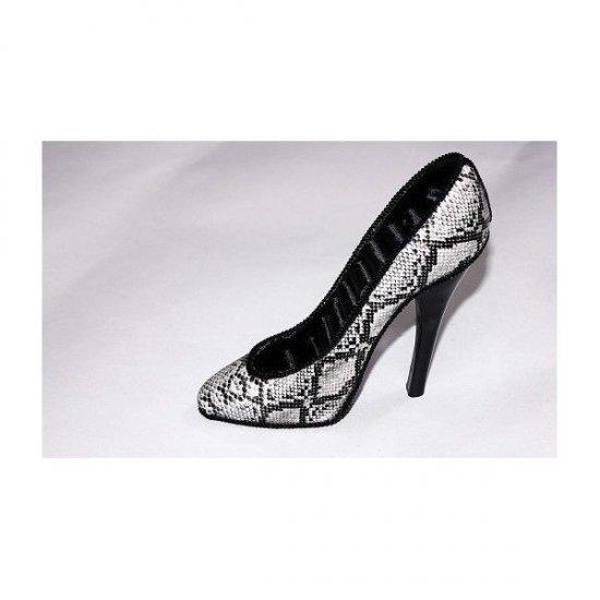 Suport Pentru Bijuterii In Forma De Pantof Imitatie Piele Sarpe