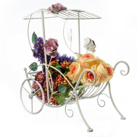 Caleasca Alba Ornata Cu Trandafiri Suport Pentru Aranjamente Florale