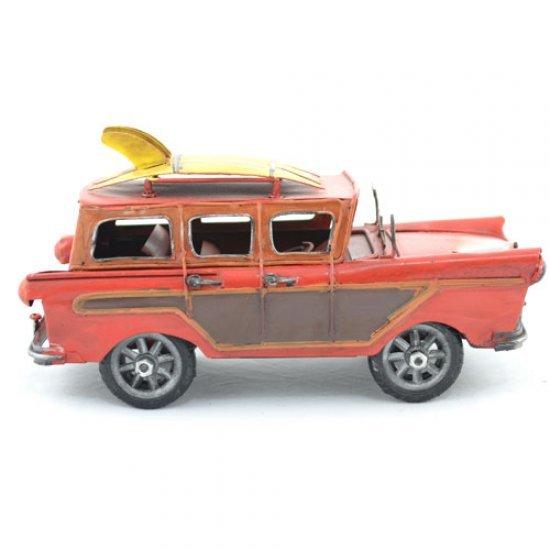 Masina rosie, clasica cu placi de surf, din metal