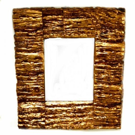 Oglinda de perete cu rama aurie