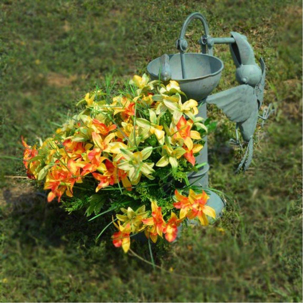 Pasari la cismea - ghiveci pentru flori