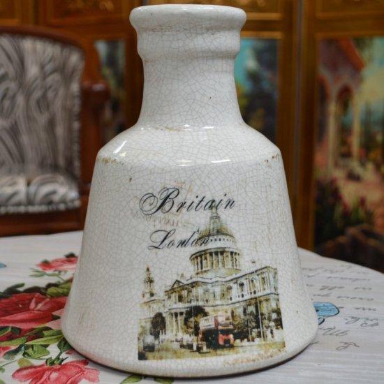 Vaza pentru flori, cu gat inalt, ilustratie din Londra